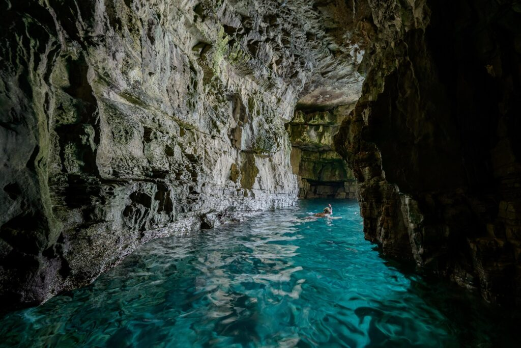 grot bij pula in kroatie